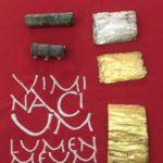 Magijske pločice sa kapsulama u kojima su spuštene u grobove. Foto: Arheološki park Viminacijum