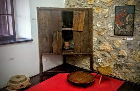 Detalj stalne postavke muzeja unutar Karađorđevog konaka u Topoli